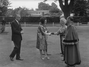 people/joan plowright greeted mayoress chichester 25